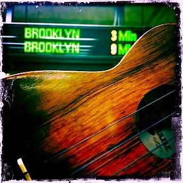 jason poole, accidental hawaiian crooner, kamaka, ukulele, NYC, L train, brooklyn, strummin' in the city