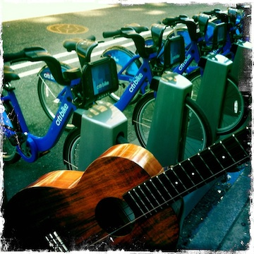kamaka ukulele, jason poole, accidental Hawaiian crooner, strummin in the city, urban strummer, ukulele, uke, nyc uke